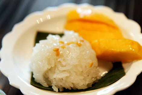 Boonsap Thai Dessert - kelilling asia - thailand - bangkok - mango sticky rice.jpg