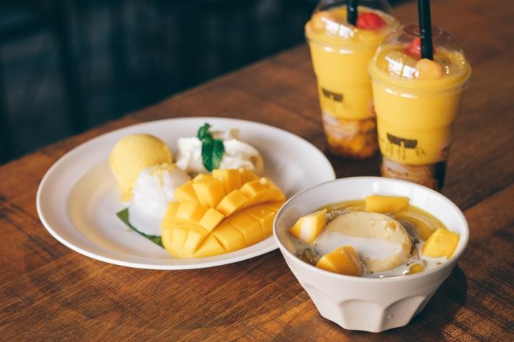 Mango Tango - keliling asia - mango sticky rice - bangkok - thailand.jpg