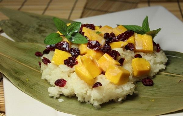 Pratunam - keliling asia - thailand - bangkok - mango sticky rice.jpg